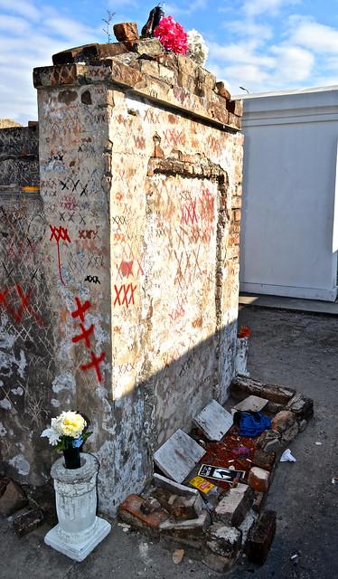 new orleans - voodoo - cemetery