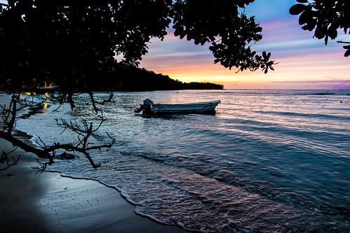 sunset rot beach indonesia