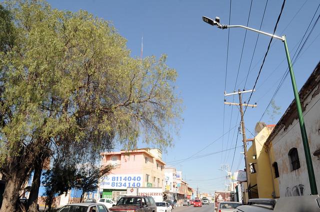 Se mantienen las gestiones ante CFE para conectar luminarias en Pedro Moreno