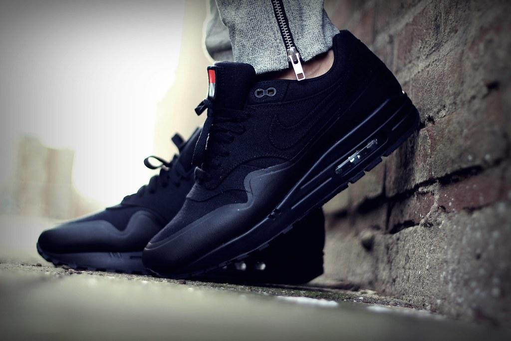 separation shoes cf1ae a07c5 ... Nike Air Max 1 V SP