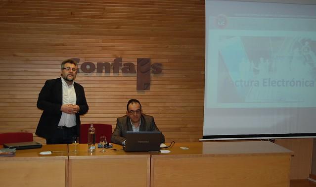 Agustín Lorenzo, presidente de AESTIC, presenta el seminario sobre la Factura Electrónica