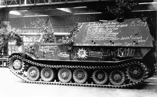The last  Ferdinand (SD. Kfz. 184) with chassis number 150100 (Fgst.Nr. 150100)