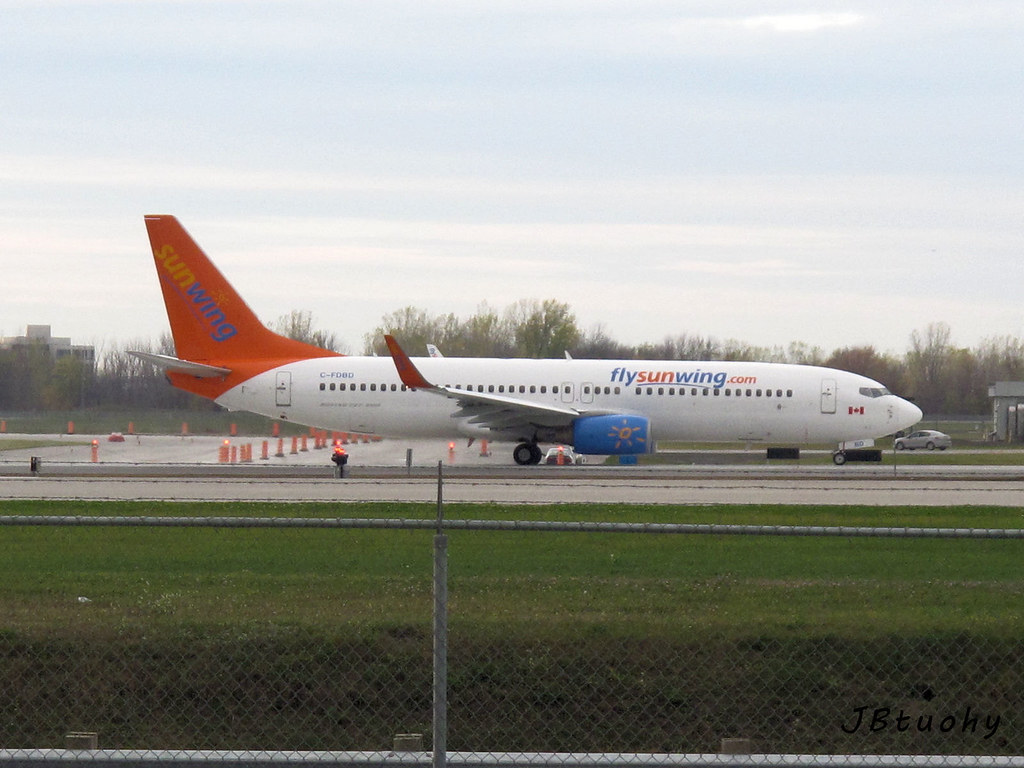 C-FDBD - B738 - Sunwing Airlines