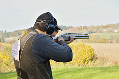 shooting sport(1.0), shooting(1.0), clay pigeon shooting(1.0), sports(1.0), recreation(1.0), trap shooting(1.0), shooting range(1.0), firearm(1.0), skeet shooting(1.0),