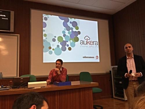 Alfonso Tejedor presenta a César Gómez León @cesareducamos (Plataforma Educamos)