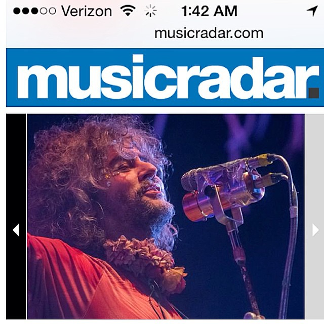 Yay my #flaming lips #waynecoyne photo from #riotfest #chicago in Music Radar. #tearsheet