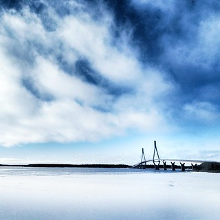 Raippaluoto Bridge | Blue & White
