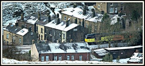 winter snow yorkshire terraces tug westyorkshire terracehouses cornholme 2015 colas calderdale class60 caldervalley 60076 6e32