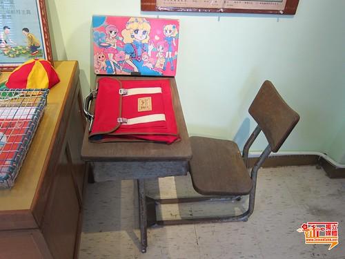 batch_舊課室桌椅