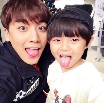 seungri_jinmo_angeleyes-400x398
