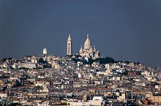 Vue sur le quartier de Montmartre et le Sacré Choeur depuis le sommet de l'Arc de Triomphe