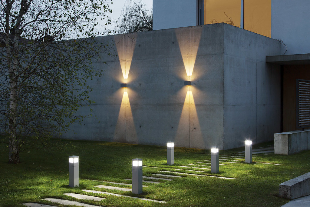 Ares illuminazione for Applique exterieur up down