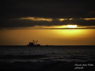 Puesta de sol barco
