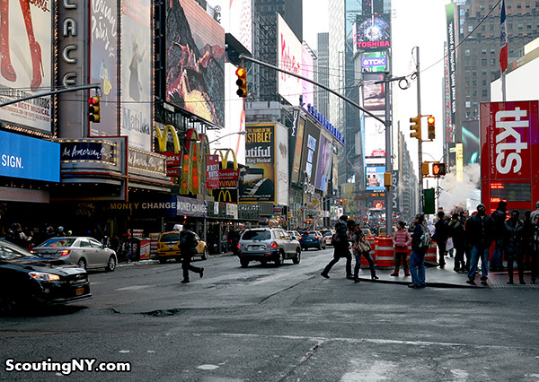 023 - Times Sq - 1540 Bway 147a