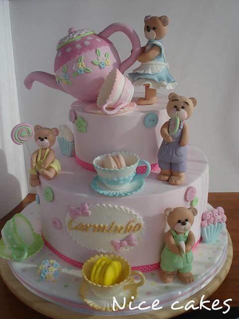 Cake by Paula Rebelo of Nice Cakes