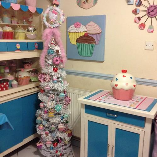 #cupcaketree #hellokittytree #cupcakekitchen #cupcakecookiejar