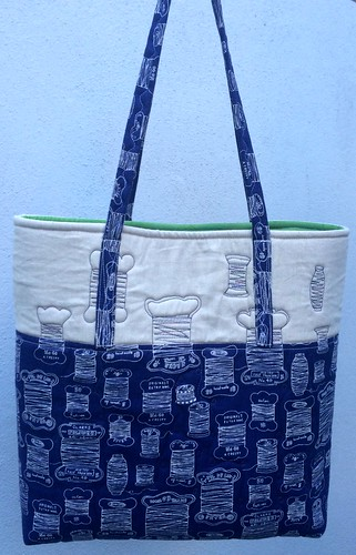 Tote by Helen Bevan who blogs at http://myinnerthread.blogspot.co.nz/