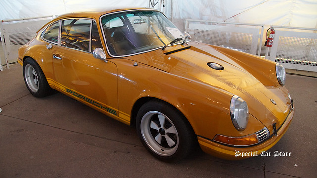 1969 Porsche 911E by Singer Vehicle Design