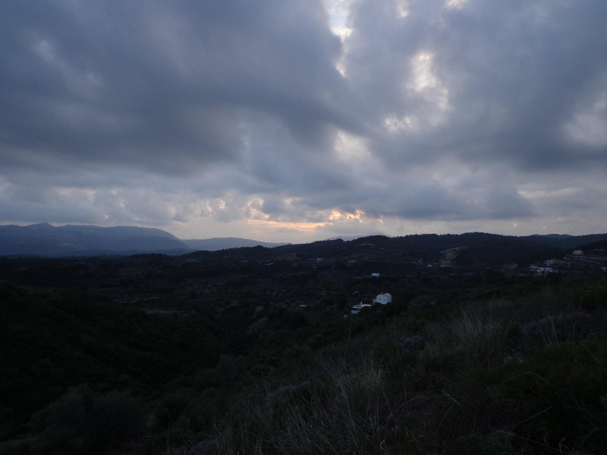 Καταιγίδα, συννεφιά, Ψίνθος