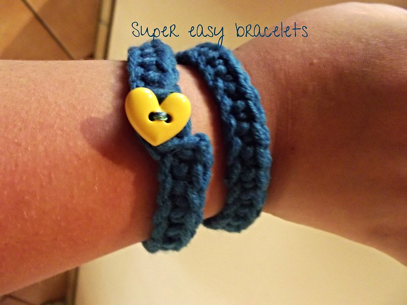 easy crochet blue bracelet