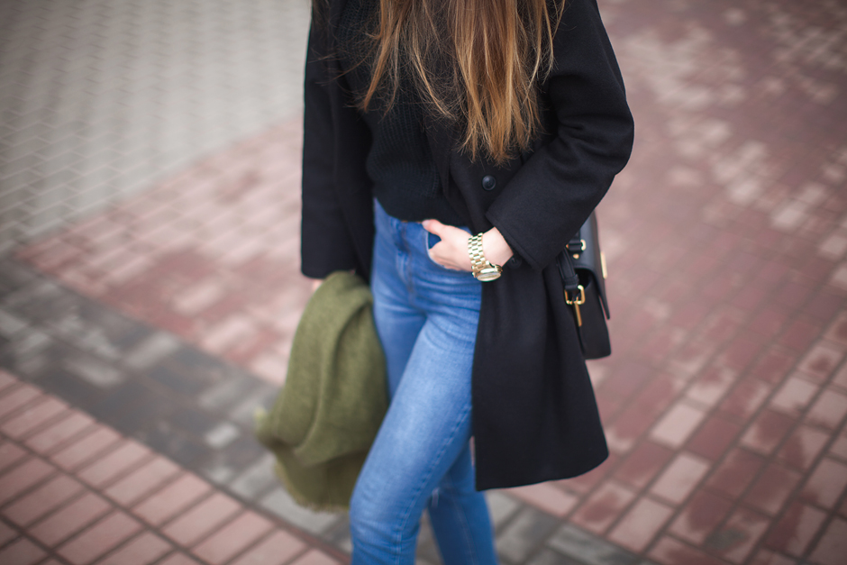 how-to-wear-high-waisted-jeans-outfit