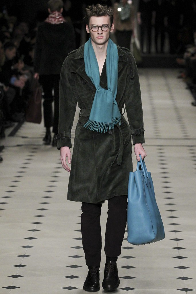 FW15 London Burberry Prorsum035(VOGUE)