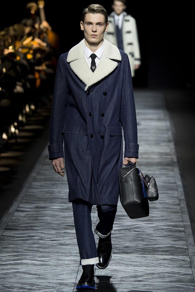 FW15 Paris Dior Homme024_Lukas Gaffie(VOGUE)