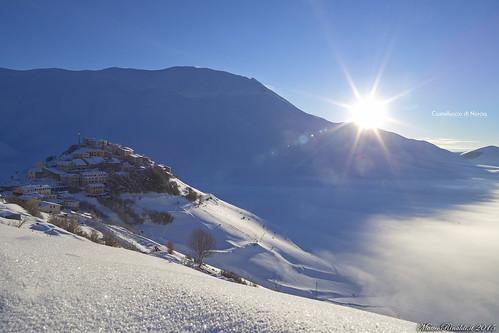 Alba invernale a Castelluccio di Norcia