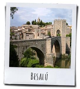 Het middeleeuwse stadje Besalú in Catalonië