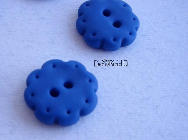 bottoni handmade fiori blu puntini 4