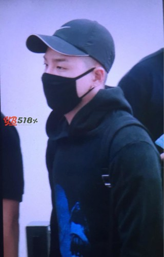 Big Bang - Incheon Airport - 07aug2015 - YB 518 - 01