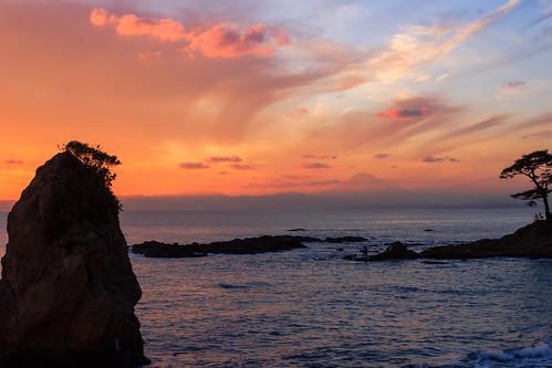 sea rock japan evening twilight 日本 kanagawa 岩 夕景 海 yokosuka 神奈川 横須賀