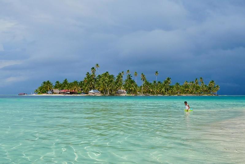 Beach Little Dog Island - San Blas Island