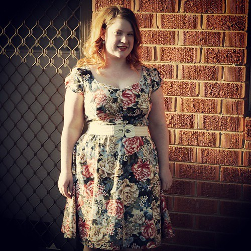 Today on the blog: yet another floral dress. #sewing #sewcialists