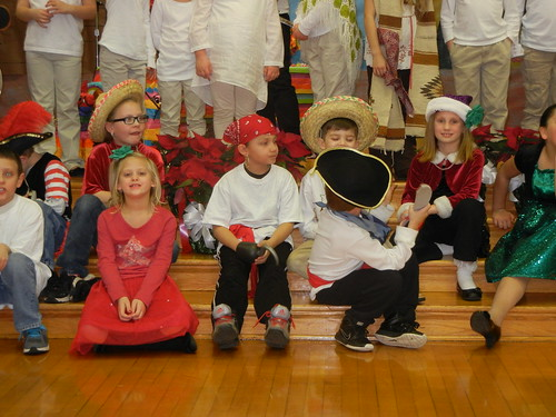 Dec 16 2014 2nd grade Pirates of Pinataville (8)