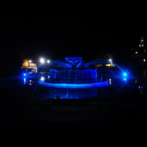 Deep #blue. #night #light #fountain