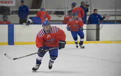 stick and ball games(0.0), roller hockey(0.0), roller in-line hockey(0.0), sports(1.0), team sport(1.0), ice hockey(1.0), hockey(1.0), player(1.0), defenseman(1.0), ice hockey position(1.0), college ice hockey(1.0), ball game(1.0), bandy(1.0), athlete(1.0),