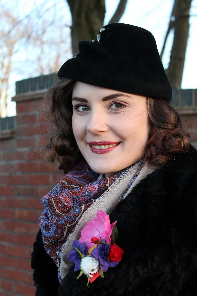 40s Hat Outfit Portrait