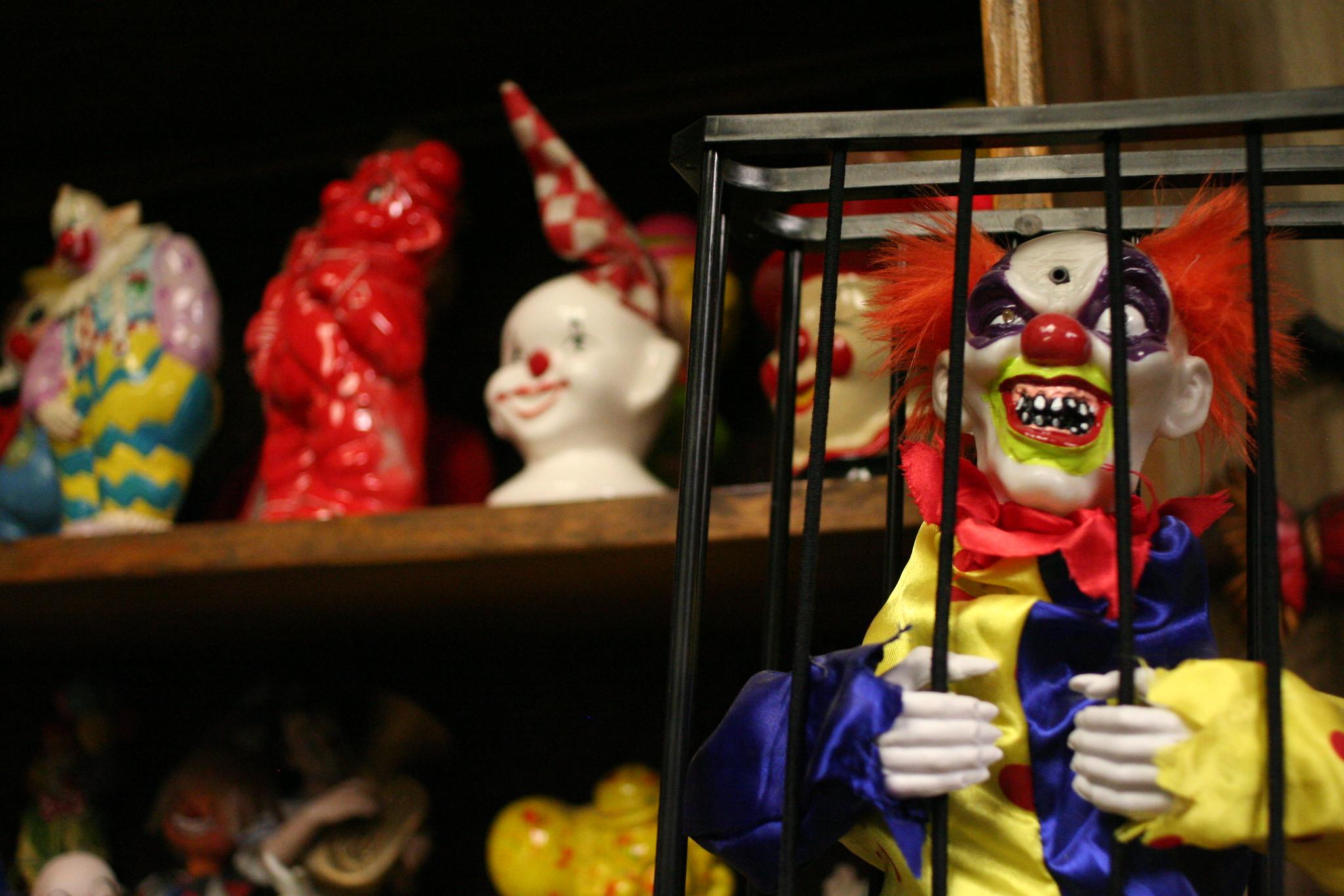 Clown Motel Clowns1