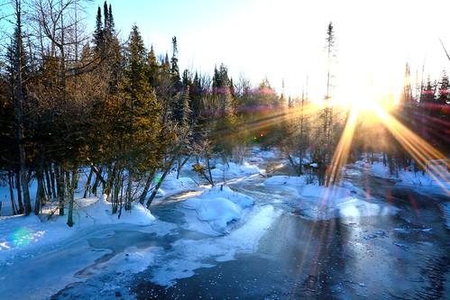 morning winter cold ice mi river sunburst flowing fernridge 30f cedarswamp february2015