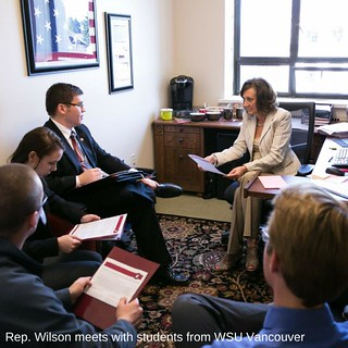 Rep. Wilson meets with students from WSU Vancouver