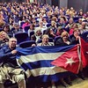 Vaya donde vaya #pablomilanes arrastra una nube de cubanos que lo arropan. La foto es antes del concierto de su gira #Renacimiento , el domingo en Fuerteventura. Lo conté en @elasombrario. En el centro Teté, la protagonista de la primera frase de mi cróni