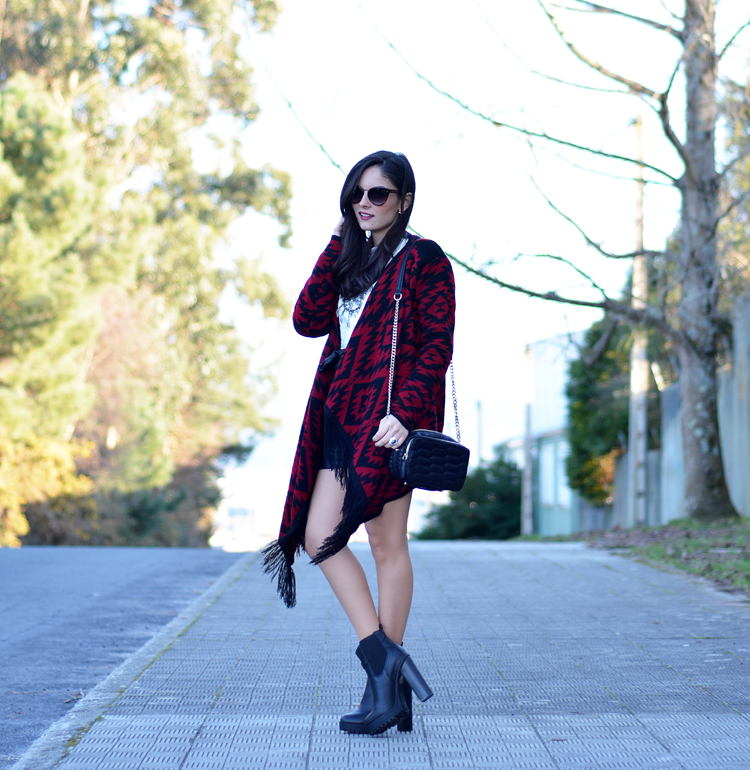 poncho_zara_pullandbear_boots_ootd_outfit_04