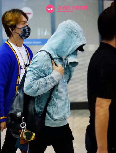 Big Bang - Incheon Airport - 28sep2015 - With G-Dragon - 02