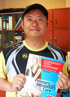 "<img src=""padi-rescue-diver-and-EFR-package-salang-bay-tioman-island-malaysia.jpg"" alt=""Rescue Diver and EFR package, Salang Bay, Tioman Island, Malaysia"" />"