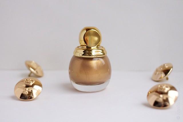 02 Dior Diorific Vernis #241 Gold Equinoxe swatches