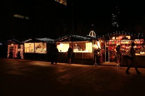 Mercatino natalizio davanti la Tate Modern