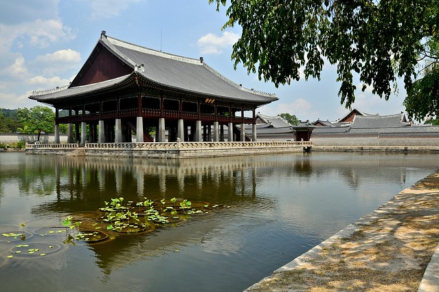 Gyeonghoeru royal banquet hall