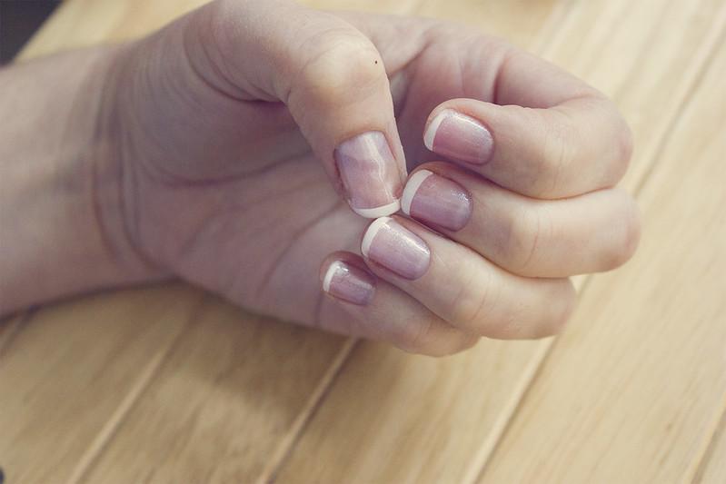 DIY shellac gel manicure