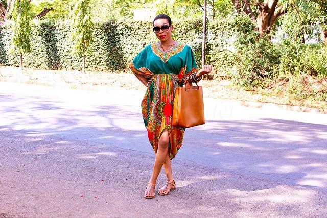 dashiki-dress-with-front-slit, dashiki dress, African Dashiki dress, African Dashiki, kaftan African dress, kaftan dress, brown leather tote bag, large sunglasses, shift dashiki dress, fitted dashiki dress, kaftan dashiki dress, kaftan dashiki mini dress
